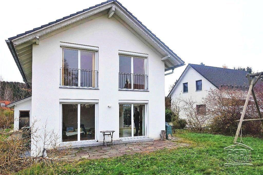 Top Eigenheim Angebot in Adorf 2